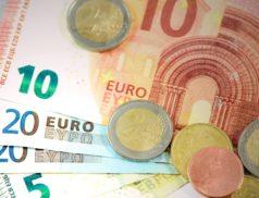 Dans le but de soutenir le pouvoir d'achat des ménages, le Gouvernement a décidé d'ouvrir aux employeurs la possibilité de verser une prime exceptionnelle, exonérée d'impôt sur le revenu, de cotisations sociales patronales et salariales et de prélèvements sociaux (CSG/CRDS) dans la limite de 1000 €.