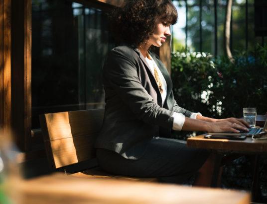 Index de l'égalité femmes hommes en entreprise : toutes les PME de plus de 50 salariés seront bientôt obligées de remplir un certain nombre d'obligations.