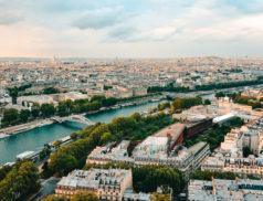 """Les élections municipales ont été marquées par la crise sanitaire, une certaine """"lassitude démocratique"""" et un record d'abstention. A Paris, la campagne électorale a été si riche en rebondissements et en atermoiements qu'elle fût à l'inverse particulièrement pauvre en débat d'idées."""