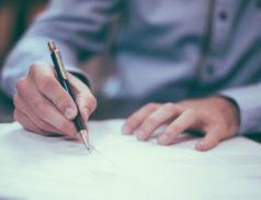 """Le Ministère du Travail a récemment publié un document """"Questions-Réponses"""" apportant notamment des précisions sur la procédure de licenciement modifiée par les ordonnances Travail."""