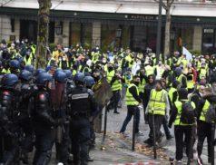 #1erDecembre 37 000 policiers, 30 000 gendarmes et 30 000 sapeurs-pompiers étaient mobilisés sur tout le territoire pour sécuriser les #manifestations, rétablir l'ordre, éteindre les incendies et porter secours.