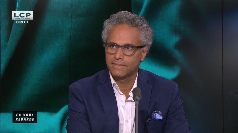 Bernard Cohen-Hadad sur le plateau de Ça vous regarde, l'émission quotidienne d'actu sur LCP